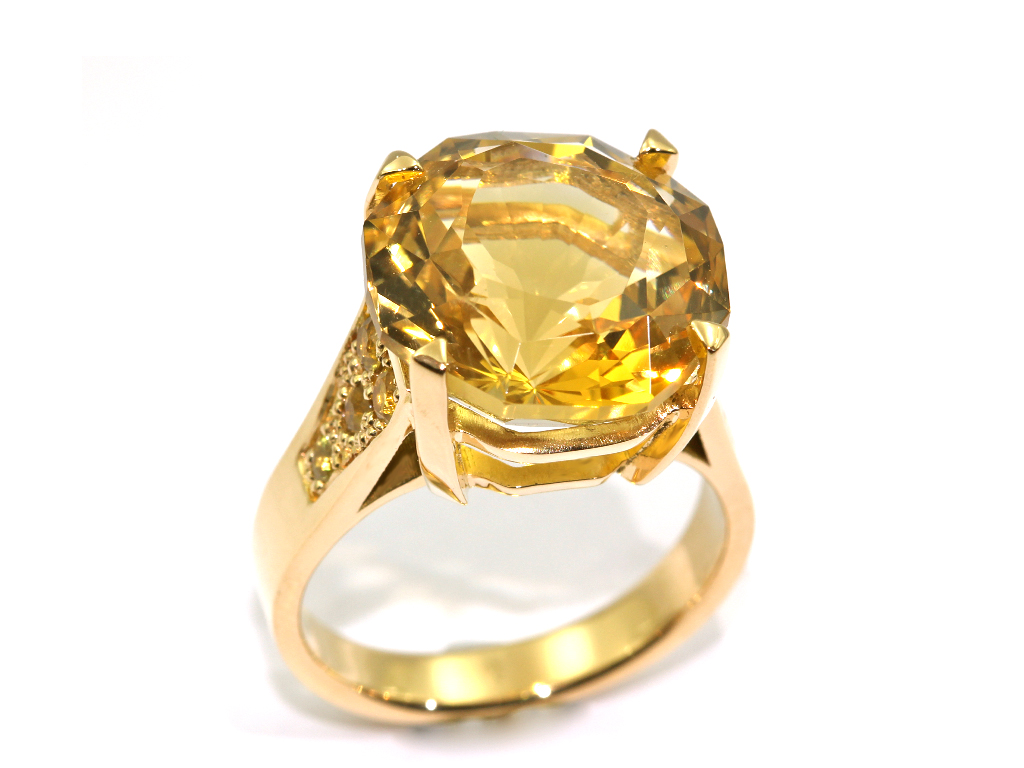 Bague citrine de Madére or jaune diamants jaune réalisation Thomas H