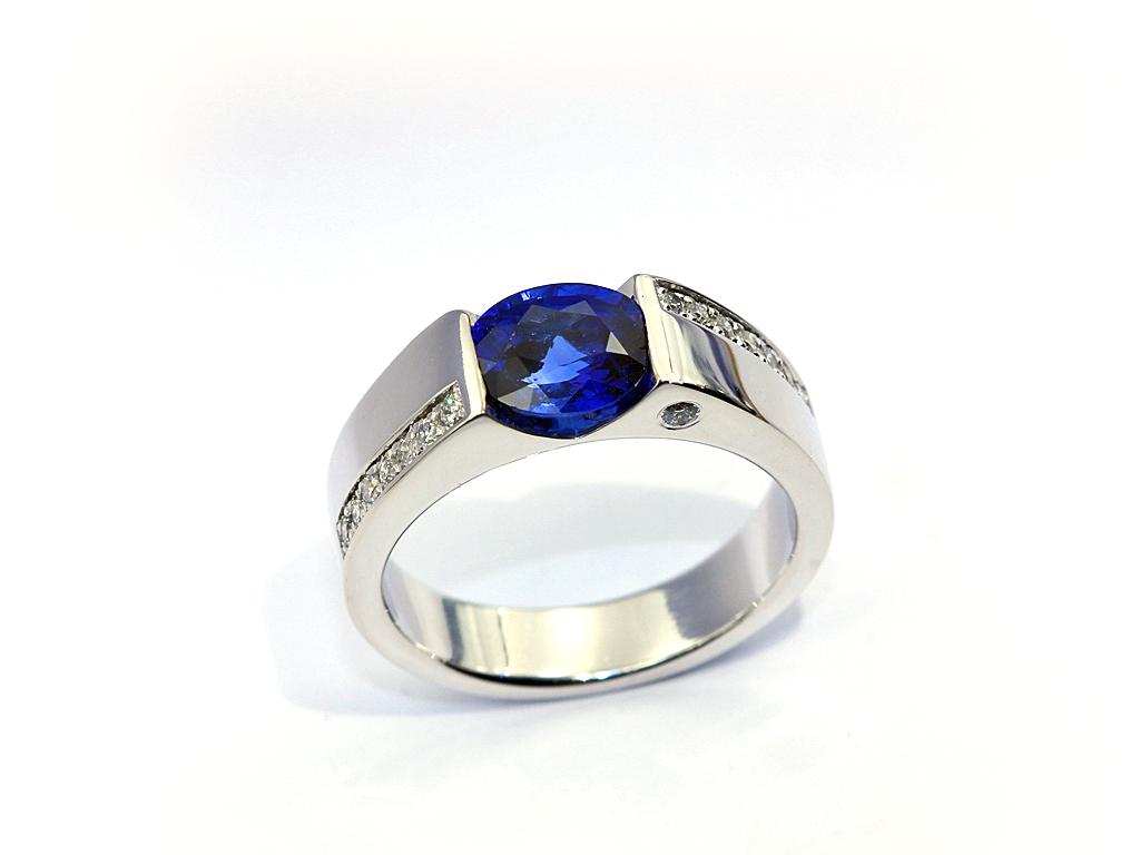 Bague saphir diamants réalisation Thomas H