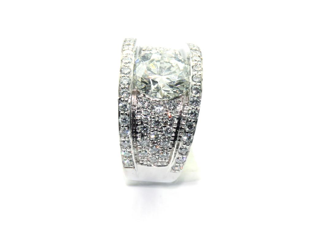 Bague solitaire pavé diamants 1 réalisation Thomas H