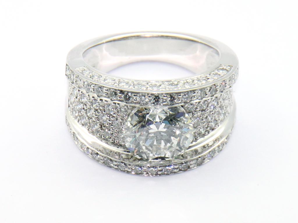 Bague solitaire pavé diamants réalisation Thomas H