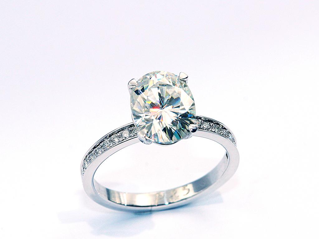 bague diamant ovale réalisation Thomas H